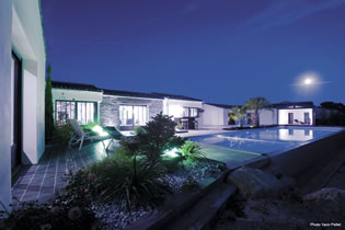 menuiserie ext rieur porte garage ile de r. Black Bedroom Furniture Sets. Home Design Ideas