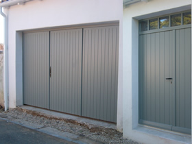 Menuiserie ext rieur porte sur mesure la rochelle - Porte de garage 4 vantaux bois ...